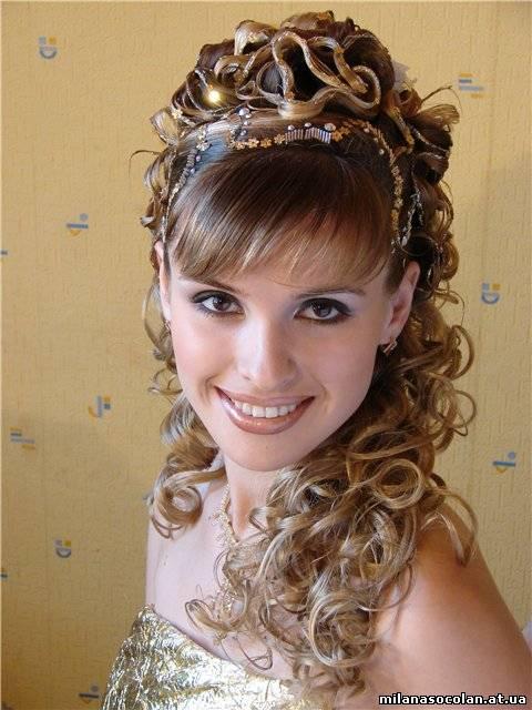 Прически из косичек фото плетение кос с лентами на длинные волосы для девочек.